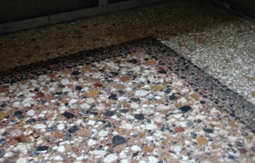 pulizia della superfice per portare alla luce l'aspetto della pavimentazione, favorire l'aderenza delle integrazioni